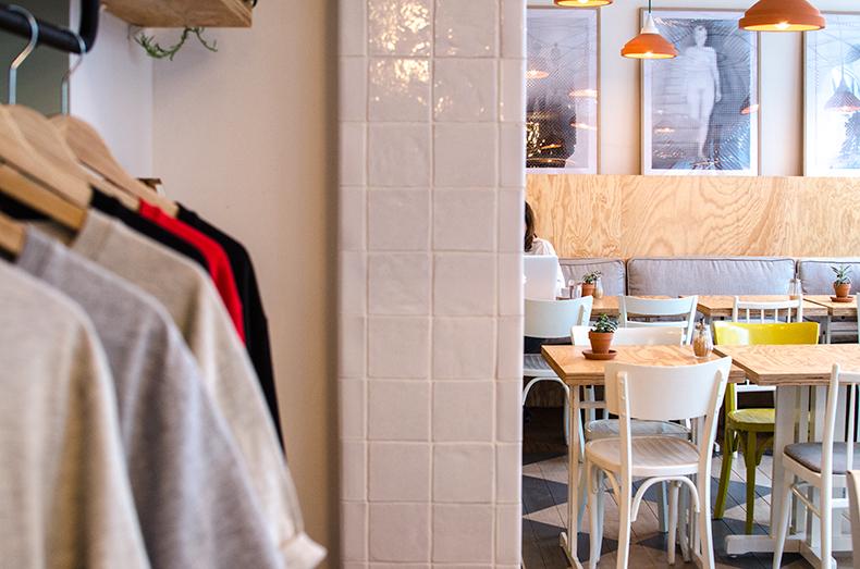 clint-épicerie-café-Mamie-Boude