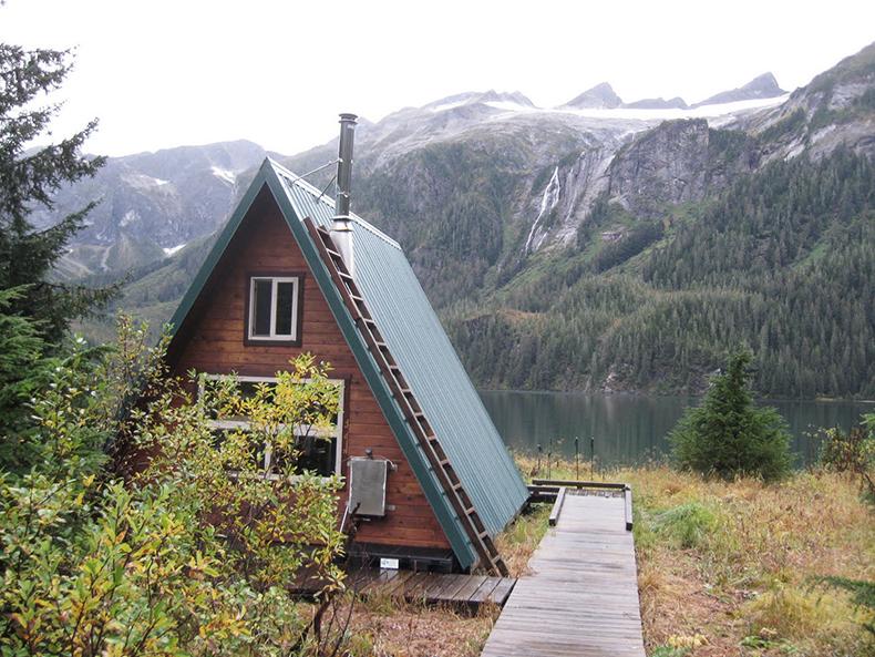 swan-lake-cabin-alaska