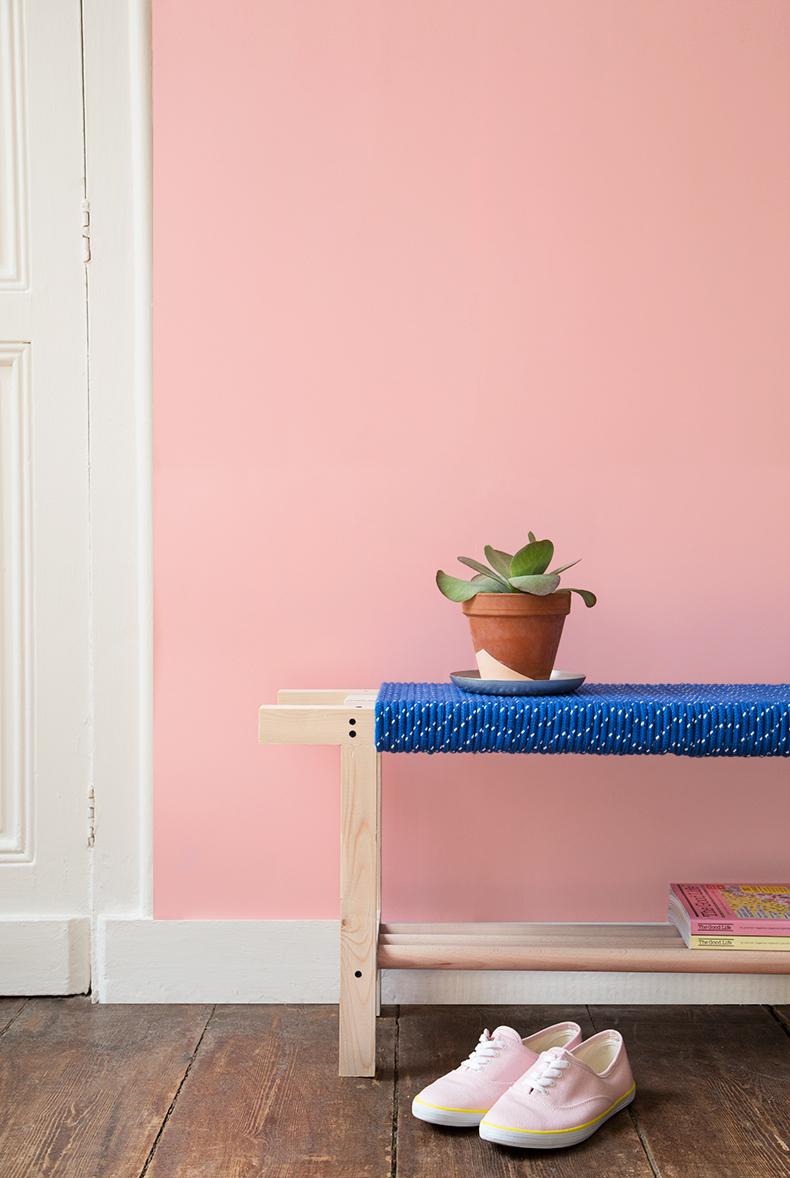 le petit banc en corde diy. Black Bedroom Furniture Sets. Home Design Ideas